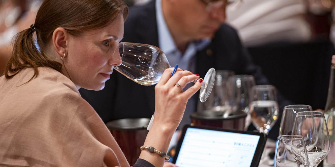 Ügyintézés és mintaküldés nemzetközi borversenyekre 2021-ben is!